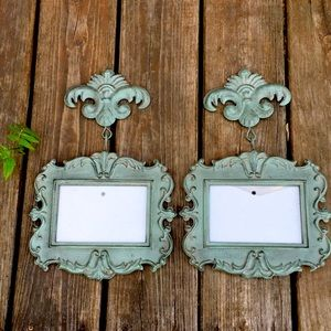 2 French style picture frames